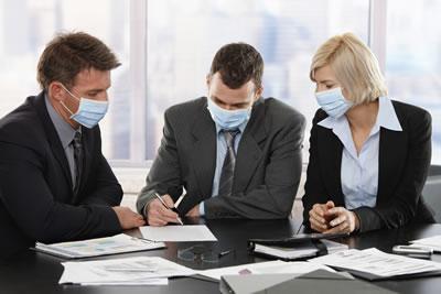 In ufficio con la mascherina: l'allerta del CNR